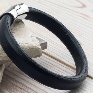 Dubh Leather Personalised Mens Bracelet