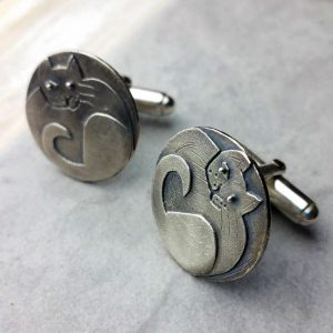 Sprightly Cat Cufflinks In Silver