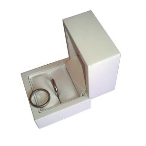 White Flip Top Single Wedding Ring Box